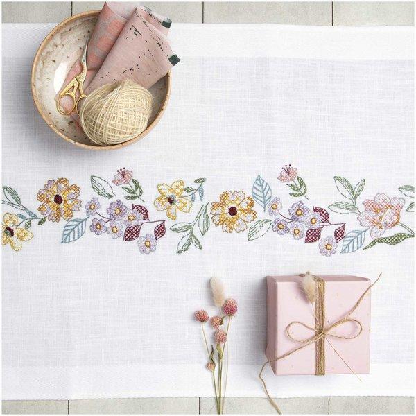Rico Design Stickpackung Läufer Sommerblütenkranz 45x100cm